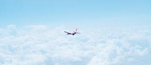 Flugzeug am Himmel