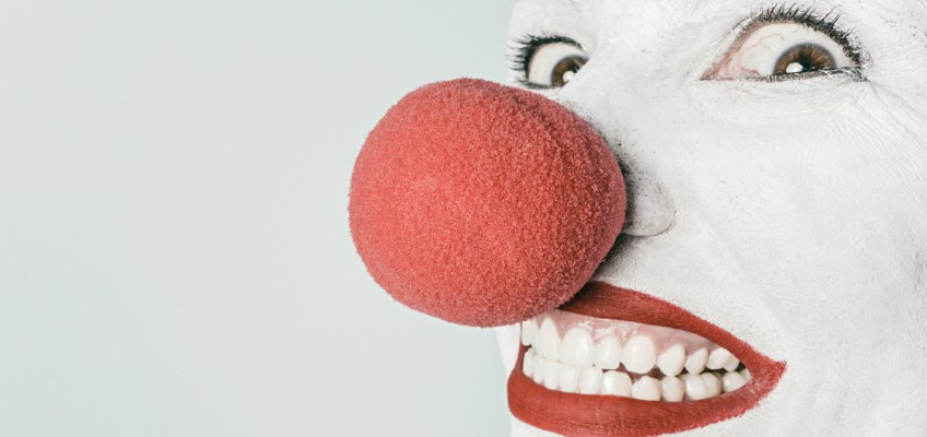 Clown mit roter Nase