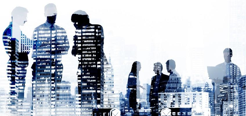 Businesspeople Hochhäuser spiegeln sich in ihren Körpern