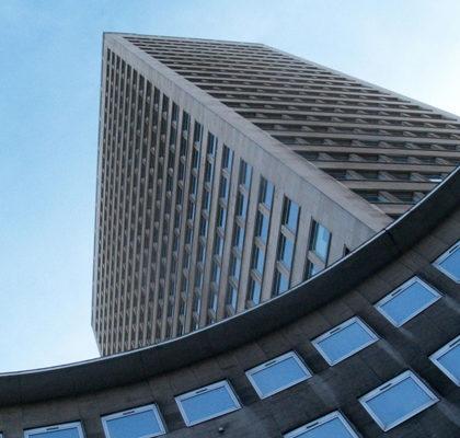 Blick auf Hochhäuser