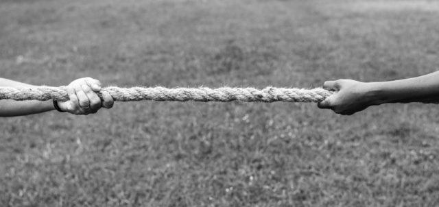 2 ziehen am Seil