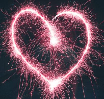 Herz aus Wunderkerzen