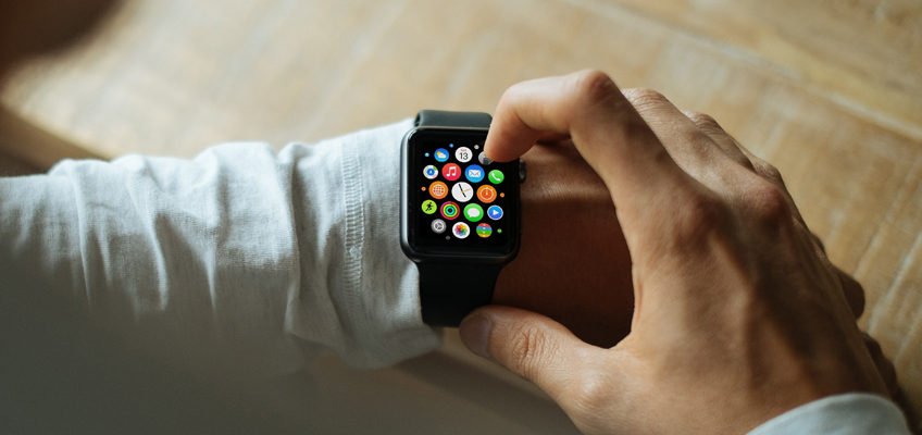 Smart Watch am Handgelenk