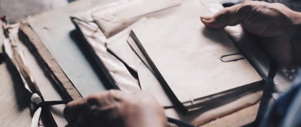 Akte aus Papierstapel
