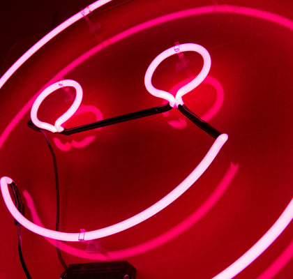 Lampe mit roter Smiley