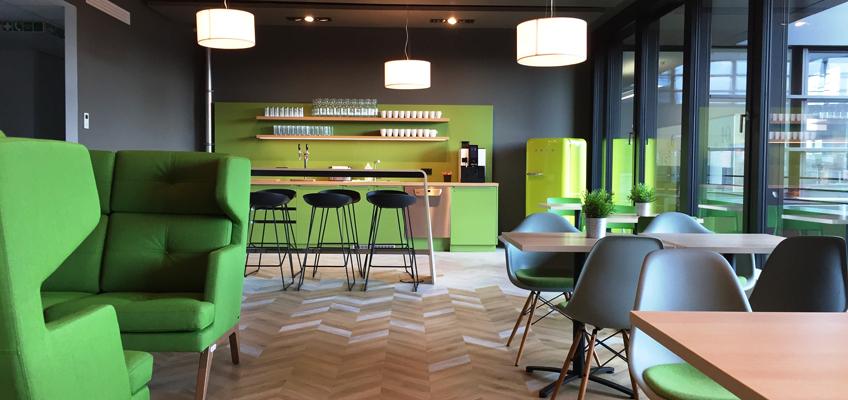 Teeküche bei Axa in Hamburg